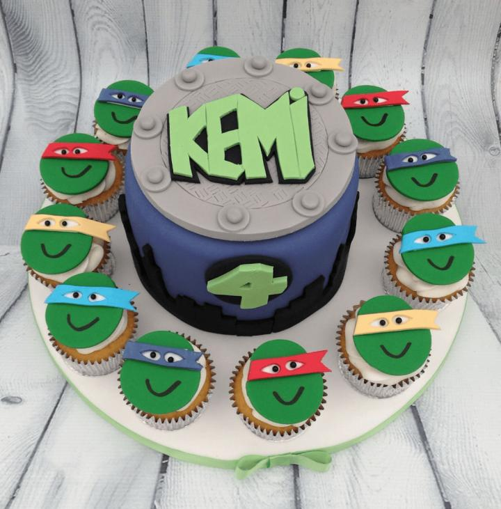 Teenage Mutant Ninja Turtles Birthday Cake with Cupcakes