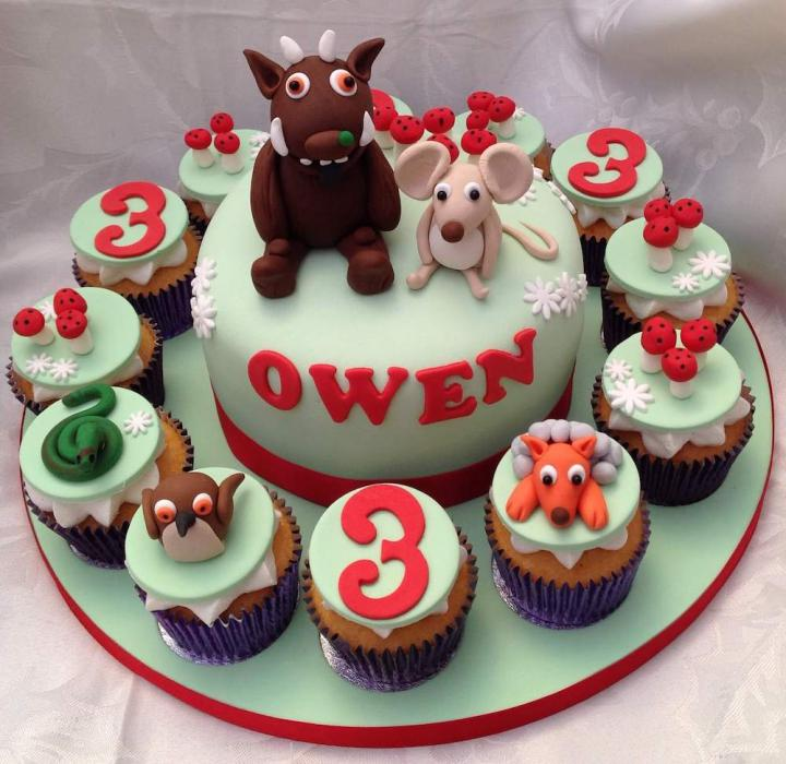 Gruffalo Birthday Cake and Cupcakes
