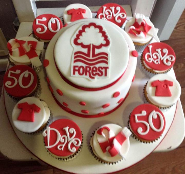Nottingham Forest Cake and Cupcakes
